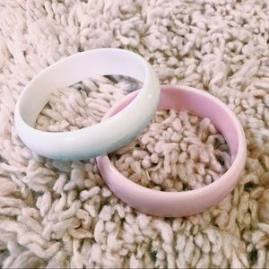 Vintage Jewelry - Set of 2 Vintage White & Pink Bangles